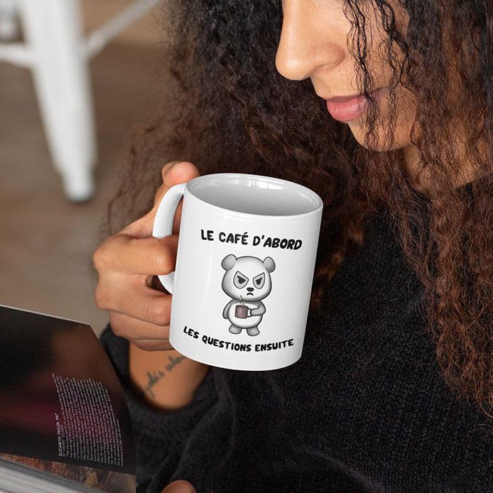 Un mug drôle avec un panda grincheux